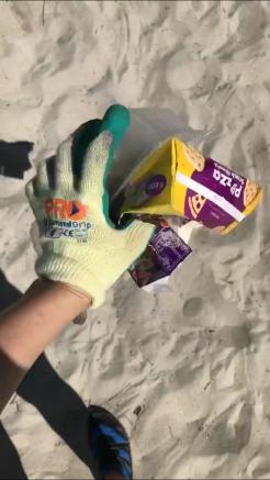 rubbish at beach